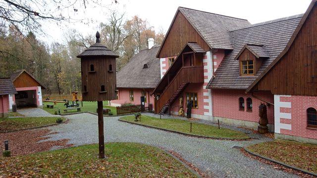 Švýcárna slouží jako muzeum starokladrubského koně; foto L. Tomáš