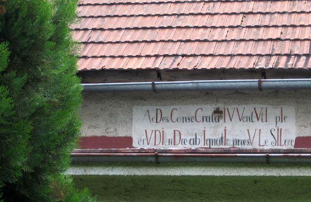 nápis býval pravděpodobně na školní budově