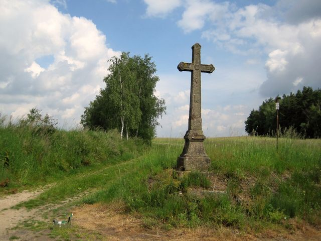 polní rozcestí nad Lískovicemi