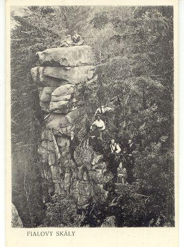 Fialovy skály, dnes Na Skalce, vyfoceno v červnu 1916