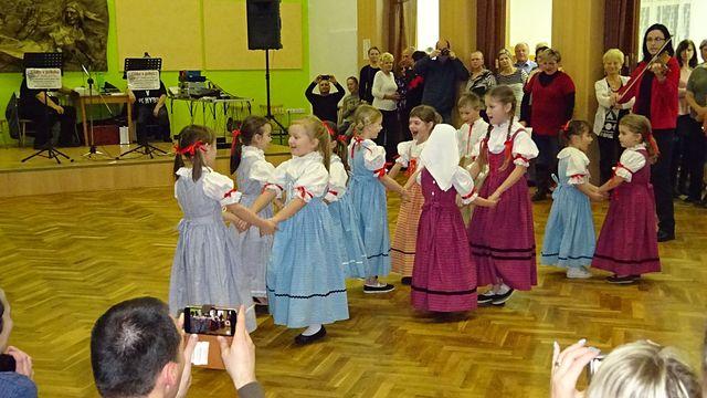 dětský soubor Jeřabinka; foto L. Tomáš