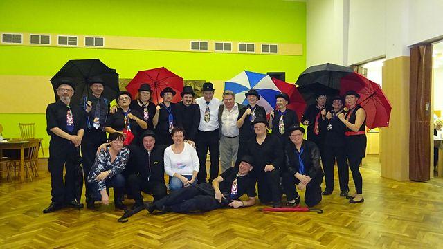 třebíčští turisté tvoří nedílnou součást turisticko-tanečního uvítání nového roku; foto L. Tomáš