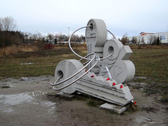 sraz si turisté dali u sochy Klíčů na nábřeží řeky Jihlavy; www.svatosi.cz