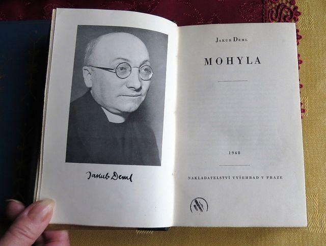 Mohyla je kronika rodiny a rodného kraje Jakuba Demla