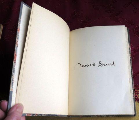podpis básníkův v knize Není dálky