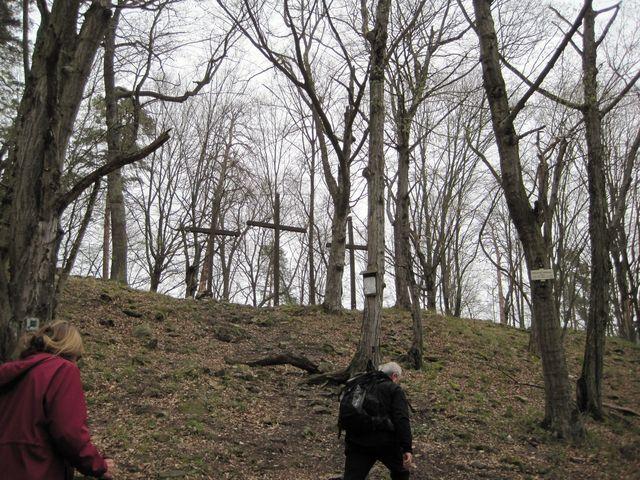 výstup na plošinu, kde stával Sedlecký hrad