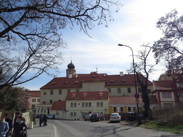 Nový Svět - ve žlutém domě bydlel Tycho de Brahe