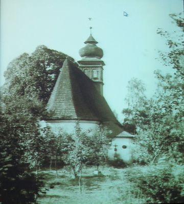 kostel sv. Ducha byl postaven na hřbitově v roce 1572
