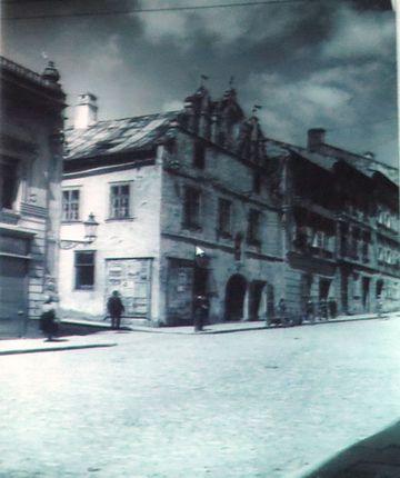 Znojemská ulice ve 2. polovině 19. století - zcela vpravo Mahlerův dům