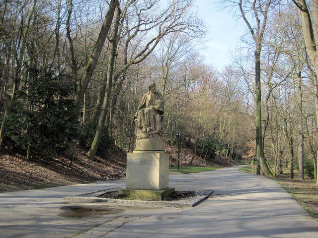 socha Jaroslava Vrchlického