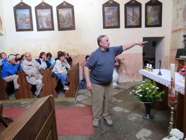 akad. malíř Vl. Netolička vypráví o románské výmalbě kostela