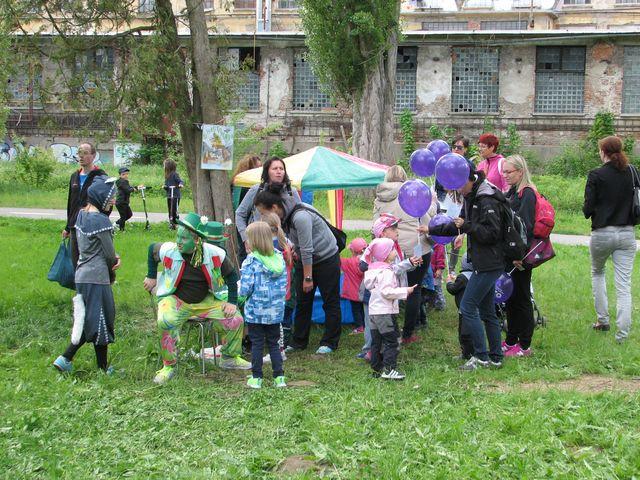 děti obdivovaly šarmantní vodníky; foto F. Janeček