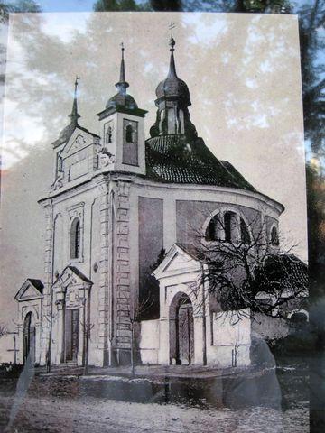 na infotabuli byla stará fotografie kostela sv. Michala