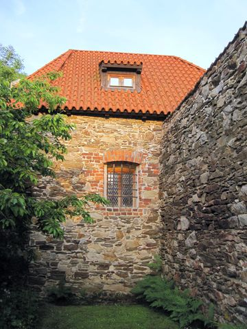 romantické zákoutí se středověkými objekty - vnější pohled