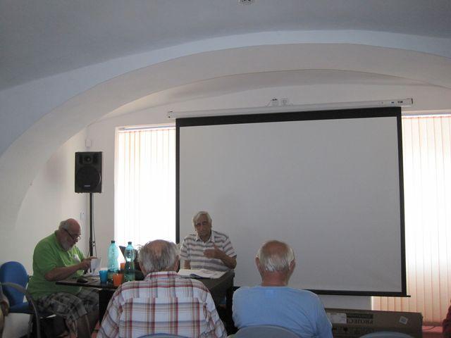 v sále infocentra je možné promítat dokumentární filmy