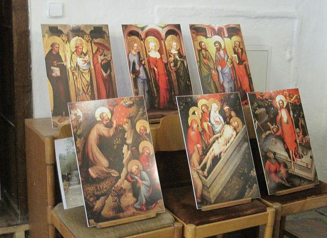 originály obrazů z deskového oltáře Mistra Třeboňského jsou v Národní galerii