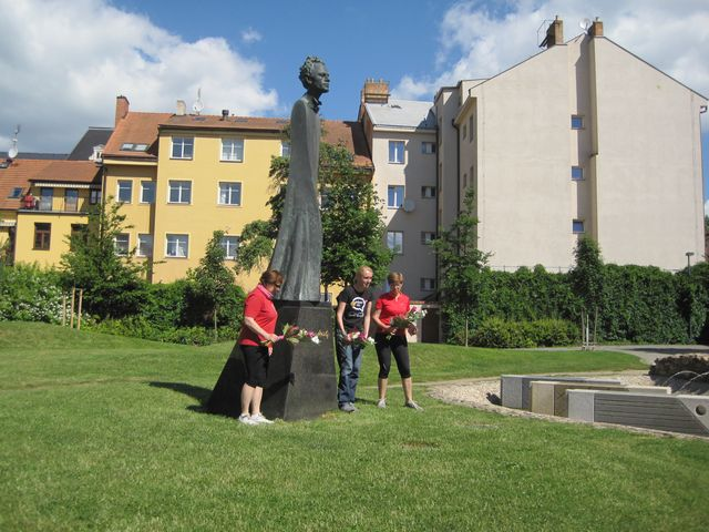 socha G. Mahlera od profesora Jana Koblasy; www.svatosi.cz