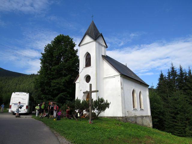 kostelík na Magurce pod hřebenem Nízkých Tater; www.svatosi.cz
