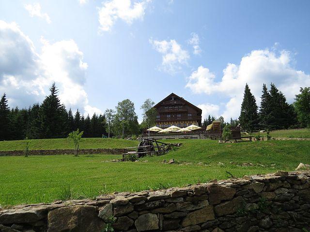 hotel Alpská vyhlídka na Bučině - foto z roku 2013