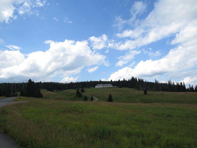 Březník - samota nad Luzenským údolím
