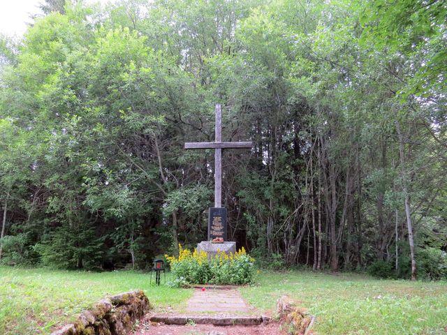Knížecí Pláně - zde stával od roku 1864 kostel, v roce 1946 byli německy mluvící obyvatelé odsunuti, roku 1956 byl kostel a okolní osady zbořeny