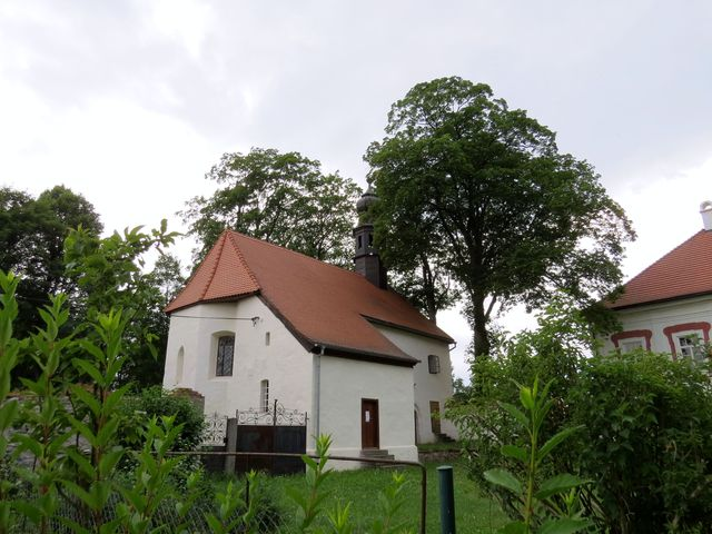 opravený gotický kostel sv. Jana Křtitele v Mlázovech