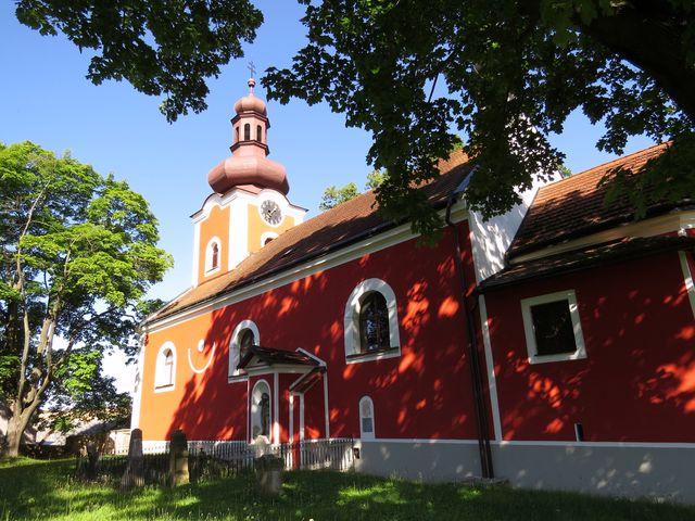 kostel sv. Petra a Pavla v Úsobí