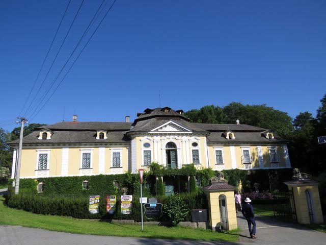 podoba úsobského zámku pochází z 1. poloviny 18. století