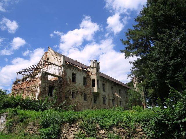 bývalý zámek v Kvaseticích