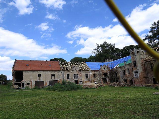 současný majitel začal s opravami zdevastovaného zámku