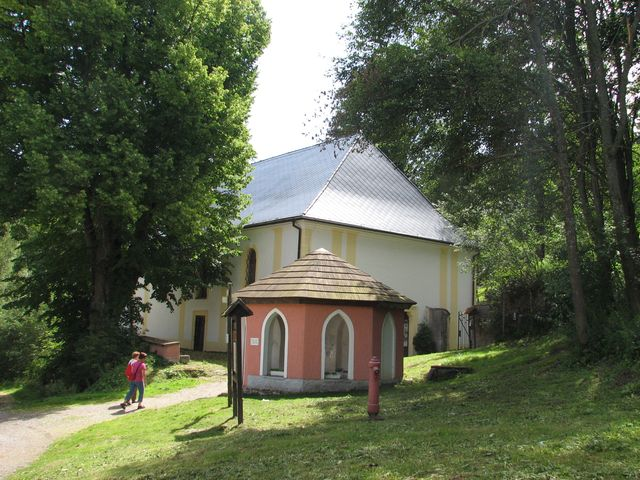 kostel a studánka sv. Vintíře v Dobré Vodě u Hartmanic; foto F. Janeček